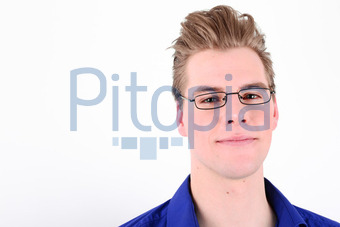 Bildagentur Pitopia Bilddetails Junger Mann Mit Brille Axel