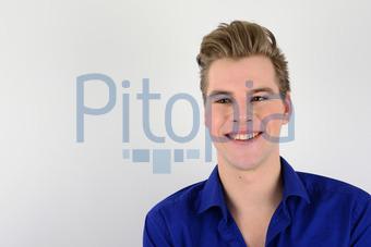 Bildagentur Pitopia Bilddetails Junger Mann Vor Hellem