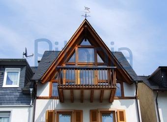 Bildagentur Pitopia Bilddetails Dachgiebel Mit Balkon Beate