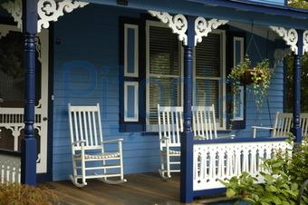 Bildagentur Pitopia - Bilddetails - Schaukelstuhl vor blauem Haus ...