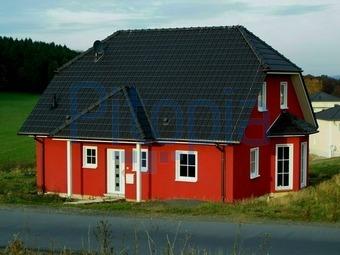 Fassadengestaltung einfamilienhaus schwarzes dach  Bildagentur Pitopia - Bilddetails - Einfamilienhaus (Claudia ...