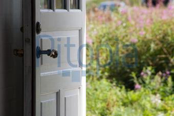 Offene haustür  Bildagentur Pitopia - Bilddetails - Haustür mit Blick in den ...