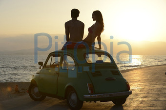 Bildagentur Pitopia Bilddetails Paar Mit Auto Am Meer