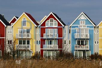 Blaue Häuser bildagentur pitopia bilddetails farbenfrohe häuser in gelb rot