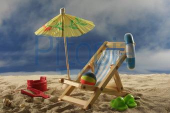 Liegestuhl mit sonnenschirm strand  Bildagentur Pitopia - Bilddetails - Urlaub (Marén Wischnewski ...