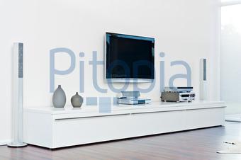 Tv sideboard modern  Bildagentur Pitopia - Bilddetails - Modern eingerichtetes ...