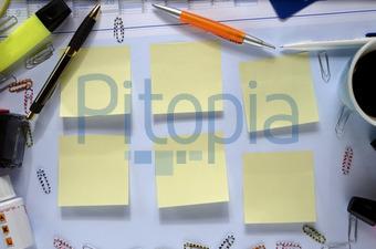 Chaotischer schreibtisch  Bildagentur Pitopia - Bilddetails - Chaotischer Schreibtisch ...