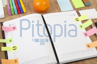 Bildagentur Pitopia - Bilddetails - Kalender Schreibtisch (Purple ...