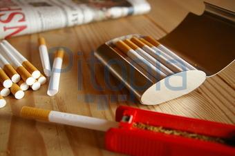 Tabak für zigaretten stopfen