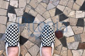 Marmor Fußbodenplatten ~ Bildagentur pitopia bilddetails schuhe auf fußboden geronimo