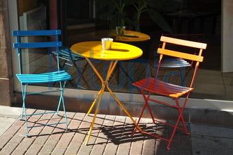 Balkontisch Stühle.Bildagentur Pitopia Bilddetails Ein Tisch Und Zwei