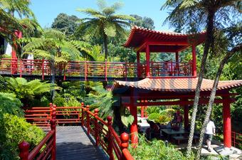 Bildagentur Pitopia - Bilddetails - Japanisch-fernöstliche ... Garten Pavillon Tropische Pflanzen
